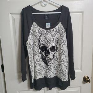TORRID Lace skull 💀  top